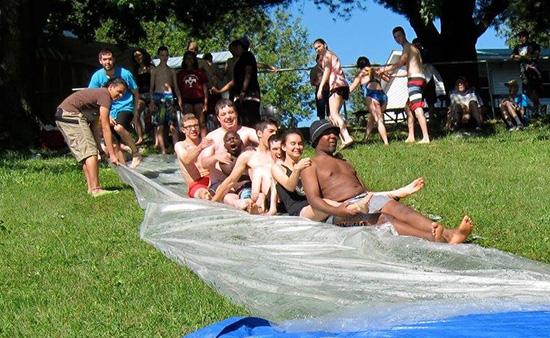 Activités aquatiques estivales au camp Garagona